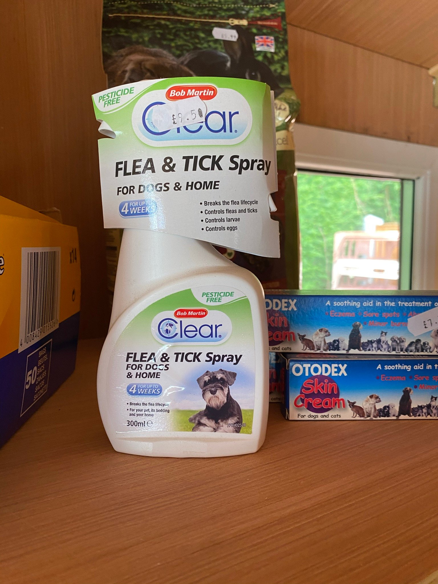 fle and tick spray
